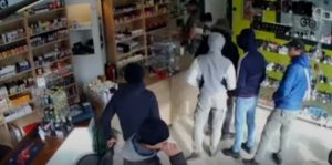 (Video) Los ladrones más tontos del mundo, parece humor pero fue real