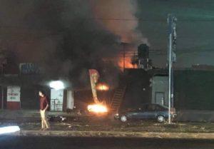 Mueren cinco personas en un bar de Jalisco tras un ataque con explosivos